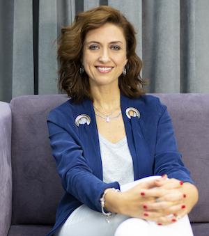 Prof.Dr._Ela_ÜNLER